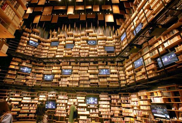 本棚劇場 in 角川武蔵野ミュージアム(埼玉県所沢市) Kadokawa Musashino Library museum