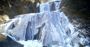 【たびこふれ】奥久慈「袋田の滝」の魅力と散策コースを紹介!氷瀑パノラマは必見