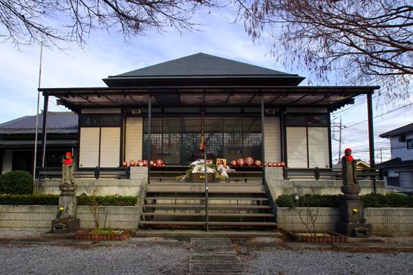 埼玉県上尾市にある「長久寺 ほたるの城」