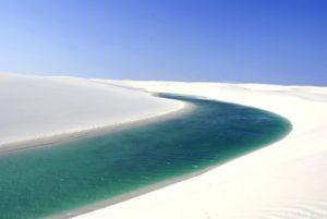 【ブラジル】赤道直下の白銀の世界!白と紺碧の絶景 レンソイス・マニャランセス