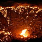 【トルクメニスタン】闇夜に閃光、砂漠に開かれた「地獄の門」