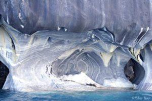 【チリ】息をのむ美しさ!大理石でできた天然の大聖堂「マーブルカテドラル」