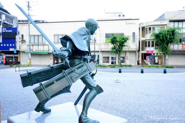 【トラベルjp】大分日田にあの絶望が蘇る!『進撃の巨人』銅像誕生