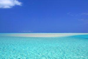 【TABIPPO】ヨロンパナウル王国へようこそ!異次元の美しさを持つ鹿児島・与論島へ